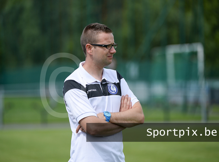 20150801 - WESTKAPELLE , BELGIUM : Gent's head coach Frederik Claeys pictured during a friendly soccer match with the women team of AA Gent Ladies , during the preparation for the 2015-2016 SUPERLEAGUE season, Saturday 1 August 2015 . PHOTO DAVID CATRY