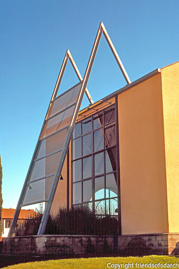 Rob W. Quigley: Linda Vista Library, North Facade. Sunscreen over huge window. Photo '97.