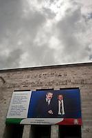 Milano, un maxilenzuolo commemorativo con l'immagine di Giovanni Falcone e Paolo Borsellino appesa sul palazzo di Giustizia per ricordare i due magistrati, la moglie di Falcone e i membri delle due scorte, uccisi 20 anni fa dalla mafia in un attentato --- Milan, a commemorative maxi placard with the image of Giovanni Falcone and Paolo Borsellino hung on the courthouse as a remembrance of the two magistrates, Falcone's wife and the members of the two escorts, killed 20 years ago in a mafia attack