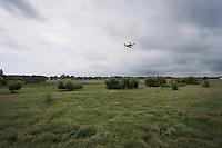 3DR Drone i luften. Dronebillede taget ved Vallensb&aelig;k Landsby vest for K&oslash;benhavn.<br /> <br /> Foto: Jens Panduro