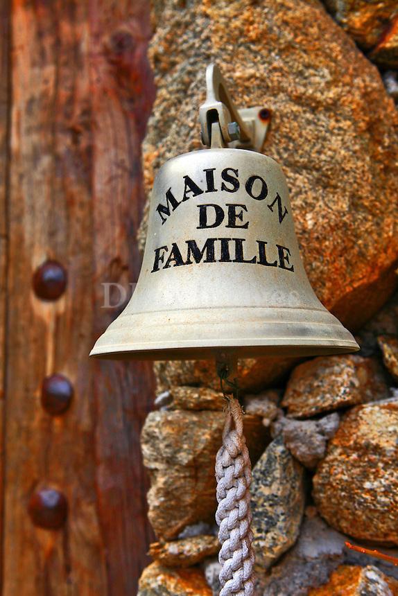 hanging door bell
