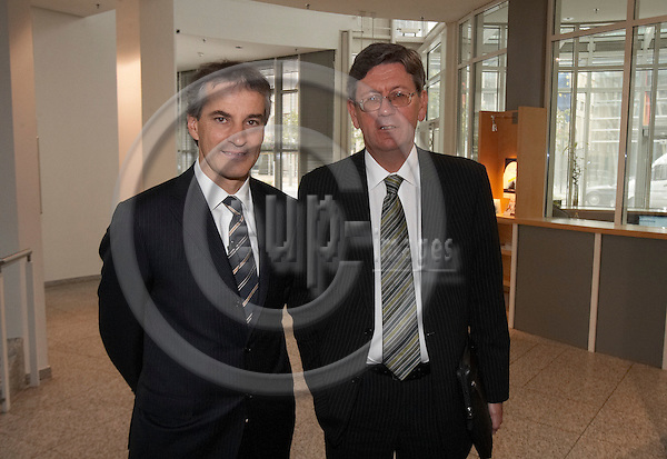 """BERLIN - GERMANY 7. MAY 2007 --  Norwegian foreign minister Jonas Gahr Stoeres  and norwegean embassador Bjoern Tore Godal in the Friedrich Ebert Foundation where the foreign minister will talk about norwegian energy politic """"Between security of supply and climate protection""""  -- PHOTO: CHRISTIAN T. JOERGENSEN / EUP & IMAGES....This image is delivered according to terms set out in """"Terms - Prices & Terms"""". (Please see www.eup-images.com for more details)"""
