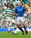 :: CELTIC'S GEORGIOS SAMARAS AND RANGERS' KYLE BARTLEY ::