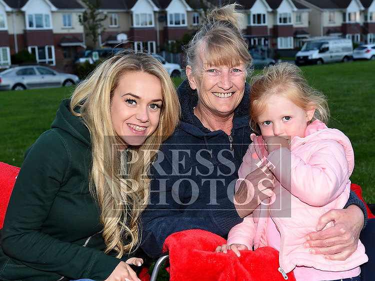 Sabrina Browne and Paulor and Taylor Harris at the outdoor cinema in Inse Bay Laytown. Photo:Colin Bell/pressphotos.ie