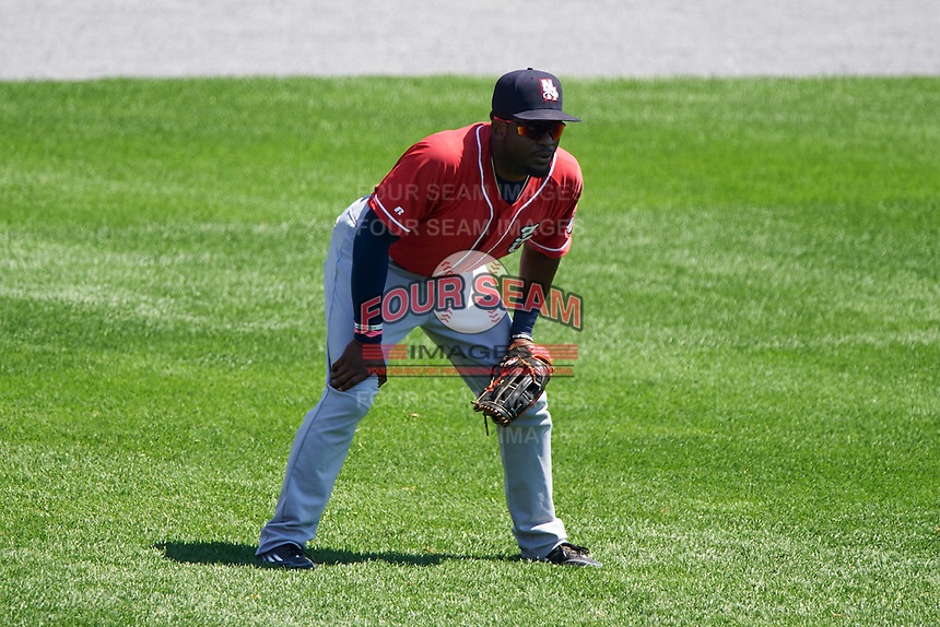 New Hampshire Fisher Cats left fielder Dwight Smith Jr. (25) during a game against the Reading Fightin Phils on June 6, 2016 at FirstEnergy Stadium in Reading, Pennsylvania.  Reading defeated New Hampshire 2-1.  (Mike Janes/Four Seam Images)