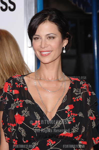 "CATHERINE BELL at the world premiere of ""The Pursuit of Happyness"" at the Mann Village Theatre, Westwood..December 7, 2006  Los Angeles, CA.Picture: Paul Smith / Featureflash"