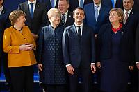 Angela Merkel,  Dalia Grybauskaite,Pr&eacute;sidente de la R&eacute;publique de la Lituanie et le Pr&eacute;sident fran&ccedil;ais Emmanuel Macron  et le Premier Ministre norv&eacute;gien lors de la photo de famille au Sommet europ&eacute;en &agrave; Bruxelles.<br /> Belgique, Bruxelles, 22 mars 2019 <br /> Chancellor of Germany Angela Merkel, Finland Prime Minister Juha Sipila, Lithuania President Dalia Grybauskaite, President of France Emmanuel Macron and Prime Minister of Norway Erna Solberg talk as they pose for a family photo during the European Union summit.<br /> Belgium, Brussels, 22 March 2019.