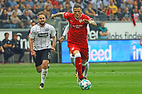 Daniel Ginczek (VfB Stuttgart) gegen Marc Stendera (Eintracht Frankfurt) - 30.09.2017: Eintracht Frankfurt vs. VfB Stuttgart, Commerzbank Arena