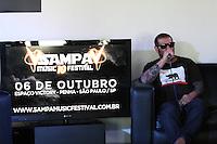 SÃO PAULO, 20 DE SETEMBRO DE 2013 - SAMPA MUSIC FESTIVAL - Badauí da banda CPM22 durante coletiva do Sampa Music Festival na Fnac Pinheiro regiao oeste da cidade de Sao Paulo.  (Foto: Mauricio Camargo/Brazil Photo Press)
