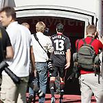 20.07.2010,  BayArena, Leverkusen, GER, 1.FBL, Bayer Leverkusen, Mannschaftsfoto, im Bild: Gefolgt von vielen Fotografen verlaesst Michael Ballack (Leverkusen #13) die BayArena  Foto © nph / Mueller