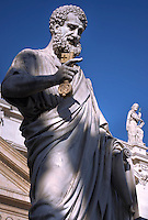Statue St Peter Basilica St Peter at the Vatican, April 15, 2009.
