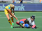 The Hague, Netherlands, June 12: Jodie Kenny #7 of Australia scores the winning goal during shoot-out during the field hockey semi-final match (Women) between USA and Australia on June 12, 2014 during the World Cup 2014 at Kyocera Stadium in The Hague, Netherlands. Final score after full time 2-2 (0-1). Score after shoot-out 1-3. (Photo by Dirk Markgraf / www.265-images.com) *** Local caption *** Jodie Kenny #7 of Australia, Jackie Kintzer #31 of USA