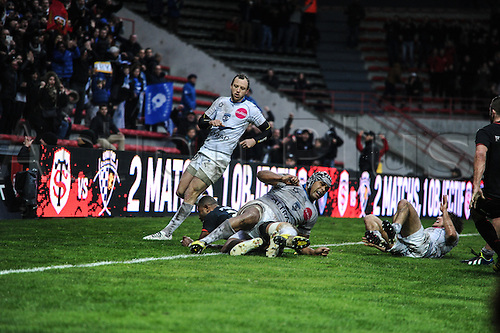 28.02.2016. Toulouse, Frace. Top14 rugby union league, Toulouse versus Montpellier. Try as Timoci Matanavou (st) goes over