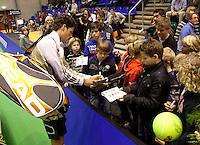 18-12-10, Tennis, Rotterdam, Reaal Tennis Masters 2010, Robin Haase en handtekening jagers