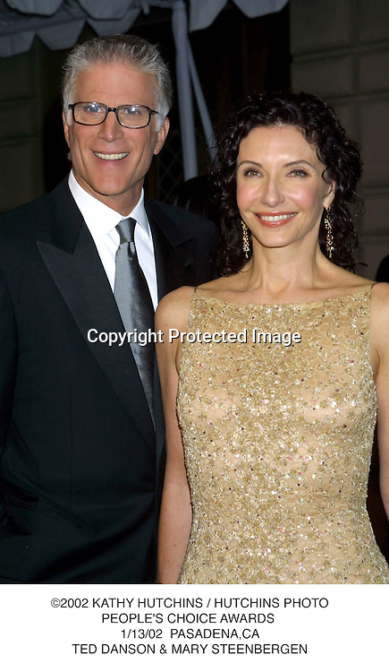 ©2002 KATHY HUTCHINS / HUTCHINS PHOTO.PEOPLE'S CHOICE AWARDS .1/13/02  PASADENA,CA.TED DANSON & MARY STEENBERGEN