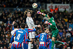 Real Madrid´s Gareth Bale (L) and Levante´s goalkeeper Marino during La Liga match at Santiago Bernabeu stadium in Madrid, Spain. March 15, 2015. (ALTERPHOTOS/Victor Blanco)
