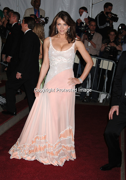 Elizabeth Hurley ..arriving to the Costume Institute Gala celebrating AngloMania on May 1, 2006 at The Metropolitan Museum of ..Art. ..Robin Platzer, Twin Images..