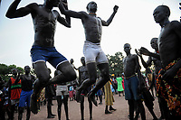 SOUTH SUDAN, Lakes State, village Mapourdit, Dinka celebrate harvest festival with dances / SUED-SUDAN  Bahr el Ghazal region , Lakes State, Dorf Mapourdit , Dinka feiern ein Erntedankfest mit traditionellen Taenzen