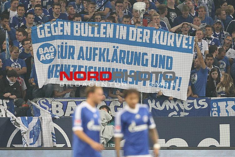 21.09.2013, Arena auf Schalke, Gelsenkirchen, GER, 1.FBL, FC Schalke 04 vs FC Bayern Muenchen, im Bild<br /> Plakat Fans Schalke <br /> <br /> GEGEN BULLEN IN DER KURVE!<br /> F&Uuml;R AUFKL&Auml;RUNG UND KENNZEICHNUNGSPFLICHT!<br /> <br /> Foto &copy; nph / Mueller