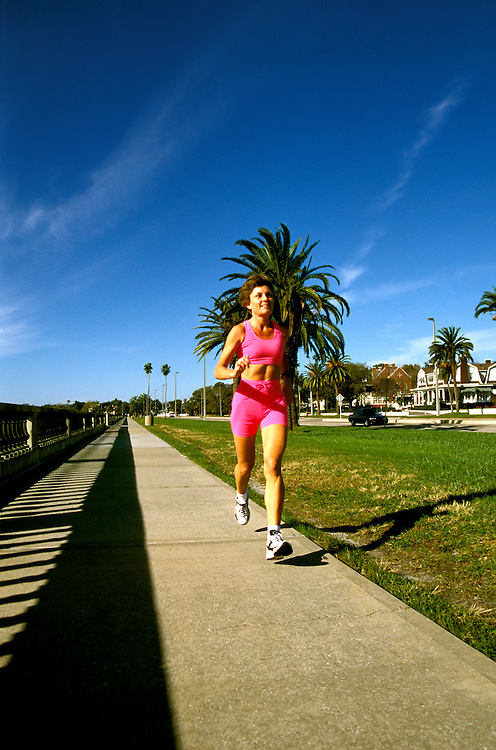 Florida: Tampa, woman jogging Bayshore Blvd, model released.  Photo: flcent104.Photo copyright Lee Foster, 510/549-2202, lee@fostertravel.com, www.fostertravel.com