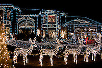 A private home on a usually quiet culdesac becomes a sparkling attraction in time for Christmas.