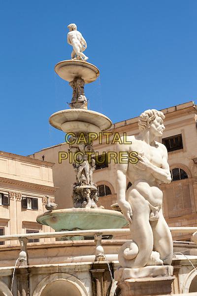 Fontana Pretoria, statues, Pretoria Fountain, Piazza Pretoria, Palermo, Sicily, Italy<br /> August 2015<br /> CAP/MEL<br /> &copy;MEL/Capital Pictures
