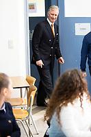 le Roi Philippe de Belgique participe à un jeu de rôle avec des jeunes lors d'une visite au Collège Roi Baudoin à Bruxelles, dans le cadre du projet Story-me. Story-me est un projet pilote, co-construit par 8 acteurs philanthropiques et 8 associations,<br /> Belgique, Bruxelles, 12 mars 2019.<br /> King Philippe of Belgium pictured during a visit to the Story-me project at the College Roi Baudouin in Brussels.<br /> Belgium, Brussels, 12 March 2019.