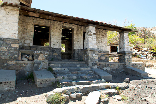 Terrace Springs Mine ruins and what is remaining of old structures