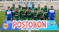 TUNJA -COLOMBIA, 24-08-2014. Jugadores de La Equidad posan para una foto previo al encuentro con Boyacá Chicó FC por la fecha 6 de la Liga Postobón II 2014 realizado en el estadio La Independencia en Tunja./ Players of La Equidad pose to a photo prior the match against Boyaca Chico FC for the 6th date of Postobon League II 2014 at La Independencia stadium in Tunja. Photo: VizzorImage/Jose Miguel Palencia/STR