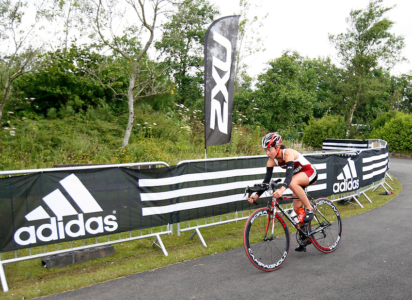 Photo: Richard Lane/Richard Lane Photography. British Triathlon Super Series, Parc Bryn Bach. 18/07/2009. .Sophie Coleman cycles in the Women's Elite Race.