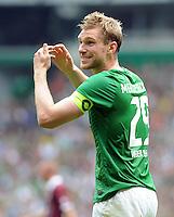 FUSSBALL   1. BUNDESLIGA   SAISON 2011/2012    1. SPIELTAG SV Werder Bremen - 1. FC Kaiserslautern             06.08.2011 Per MERTESACKER (Werder Bremen)