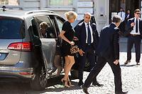Brigitte Macron - Les conjoints des chefs d&rsquo;Etat et de gouvernement lors d'une visite du Mus&eacute;e Magritte &agrave; Bruxelles.<br /> Belgique, Bruxelles, 25 mai 2017.<br /> Brigitte Macron arrives for a visit of the First Ladies to the Magritte Museum in Brussels.<br /> Belgium, Brussels, 25 May 2017.