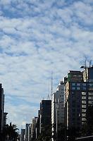 SAO PAULO, 07 DE MAIO DE 2012 - CLIMA TEMPO - Manha de tempo frio e ensolarado na regiao central da capital. FOTO: ALEXANDRE MOREIRA - BRAZIL PHOTO PRESS