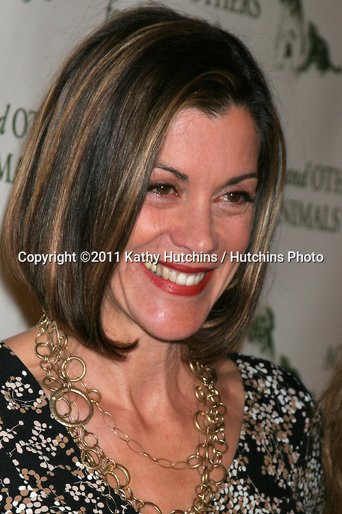 "LOS ANGELES - APR 9:  Wendie Malick in the green room of ""Actors and Others for Animals"" Annual Fundraiser 2011 at Universal Hilton Hotel on April 9, 2011 in Los Angeles, CA"