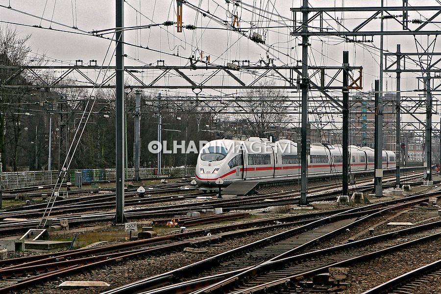 Trem de alta velocidade. Amsterdã. Holanda. 2007. Foto de Marcio Nel Cimatti.