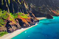 Kalalau Beach and Honopu Beach or Cathedral Beach with natural arch, Na Pali Coast, Kauai, Hawaii, USA, Pacific Ocean