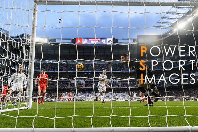 Lucas Vazquez of Real Madrid (C) scores his goal during La Liga 2017-18 match between Real Madrid and Sevilla FC at Santiago Bernabeu Stadium on 09 December 2017 in Madrid, Spain. Photo by Diego Souto / Power Sport Images