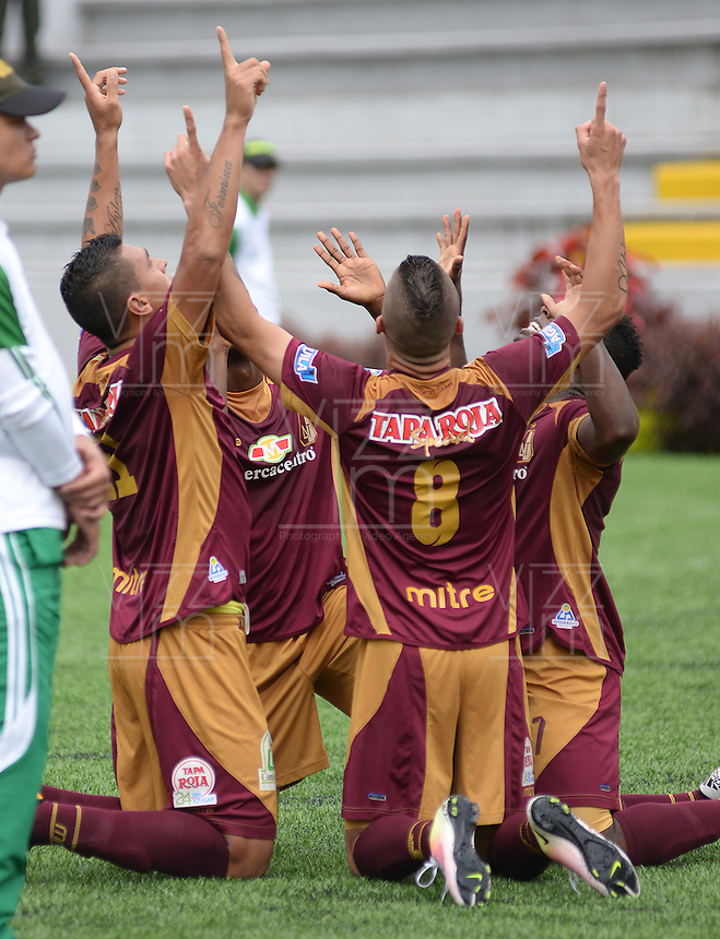 IBAGUE -COLOMBIA-17-ABRIL-2016.Matheus Uribe del Tolima celebra su gol contra La Equidad  durante partido por la fecha 13 de Liga Águila I 2016 jugado en el estadio Manuel Murillo Toro de Ibagué./ Matheus Uribe player of Tolima celebrates his goal against  of La Equidad during the match for the date 13 of the Aguila League I 2016 played atManuel Murillo Toro stadium in Ibague. Photo: VizzorImage / Juan Carlos Escobar  / Contribuidor