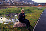 'MOUNTAIN ASH - WALES', LIVING ON BENEFITS. YOUTH HANGS ABOUT IN NEW BUSINESS PARK. SOME FACTORIES JOBS PAY ú2.50 PER HOUR, 1998