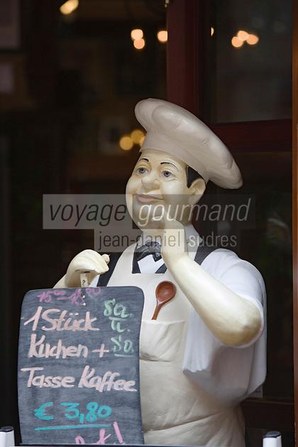 Europe/Allemagne/Bade-Würrtemberg/Heidelberg: détail porte-menu du Restaurant Perkéo dans la rue principale Hauptstrasse