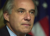 U.S. Senator Robert Torricelli announces he is dropping out of the US Senate race, Monday, Sept. 30, 2002, in Trenton, New Jersey.  (Photo by William Thomas Cain/photodx.com)