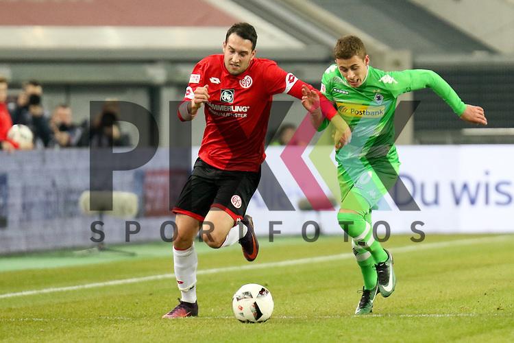 Gladbachs Torgau Hazard (Nr.10) im Zweikampf um den Ball beim Telecom Cup 2017 Borussia Moenchengladbach - FSV Mainz 05.<br /> <br /> Foto &copy; PIX-Sportfotos *** Foto ist honorarpflichtig! *** Auf Anfrage in hoeherer Qualitaet/Aufloesung. Belegexemplar erbeten. Veroeffentlichung ausschliesslich fuer journalistisch-publizistische Zwecke. For editorial use only.