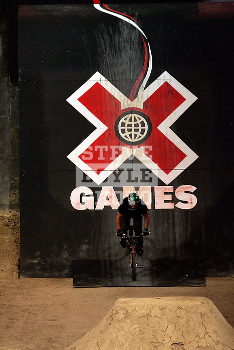 Allan Cooke competes in the Bike Dirt finals at the Staples Center during X-Games 12 in Los Angeles, California on August 3, 2006.