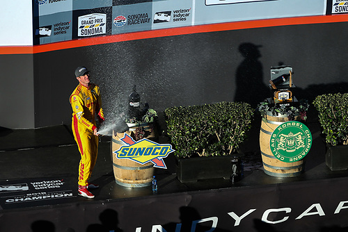 Ryan Hunter-Reay celebrates the win, Andretti Autosport Honda