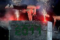 Partner Pferd 2011 - Pferdemesse - Mega Event des Pferdesports auf Neuer Messe Leipzig - 4 Weltcup Entscheidungen - im Bild: Abend Gala - Lange Nacht der Pferde - Impressionen der Show rund ums Pferd - -- Voltigierer Daniel Kaiser mit einer Akrobatik-Show á la Matrix zusammen mit Turnerinnen und Parcour-Sportlern. Foto: Norman Rembarz..Jegliche kommerzielle Nutzung ist honorar- und mehrwertsteuerpflichtig! Persönlichkeitsrechte sind zu wahren. Es wird keine Haftung übernommen bei Verletzung von Rechten Dritter. Autoren-Nennung gem. §13 UrhGes. wird verlangt. Weitergabe an Dritte nur nach  vorheriger Absprache..