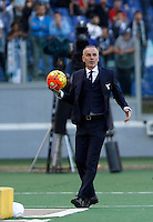 Calcio, Serie A: Roma vs Lazio. Roma, stadio Olimpico, 8 novembre 2015.<br /> Lazio coach Stefano Pioli holds the ball during the Italian Serie A football match between Roma and Lazio at Rome's Olympic stadium, 8 November 2015.<br /> UPDATE IMAGES PRESS/Isabella Bonotto