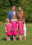 Crown Prince Willem-Alexander of The Netherlands and his wife Princess Maxima and their children Alexia ( C), Ariane (L) and Amalia pose for the annual summer photocall in Wassenaar July 7, 2012. REUTERS/Michael Kooren. (NETHERLANDS)