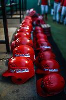 Detalle de cascos rojos de los  Mayos de Navojoa, durante juego de beisbol de la Liga Mexicana del Pacifico temporada 2017 2018. Tercer juego de la serie de playoffs entre Mayos de Navojoa vs Naranjeros. 04Enero2018. (Foto: Luis Gutierrez /NortePhoto.com)