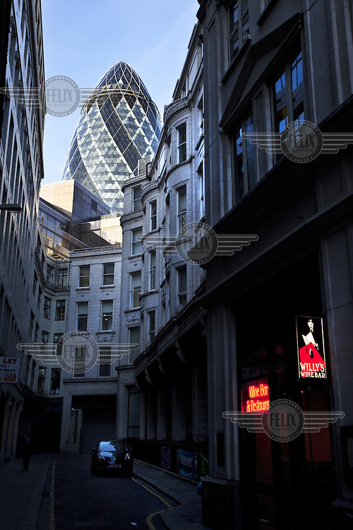 The Swiss Re Tower (the Gherkin) seen from Fenchurch Buildings, inn the City of London.