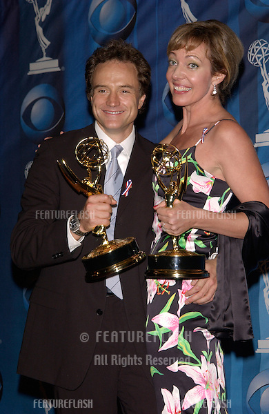 Actress ALLISON JANNEY & actor BRADLEY WHITFORD at the 53rd Annual Primetime Emmy Awards in Century City, California..04NOV2001. © Paul Smith/Featureflash